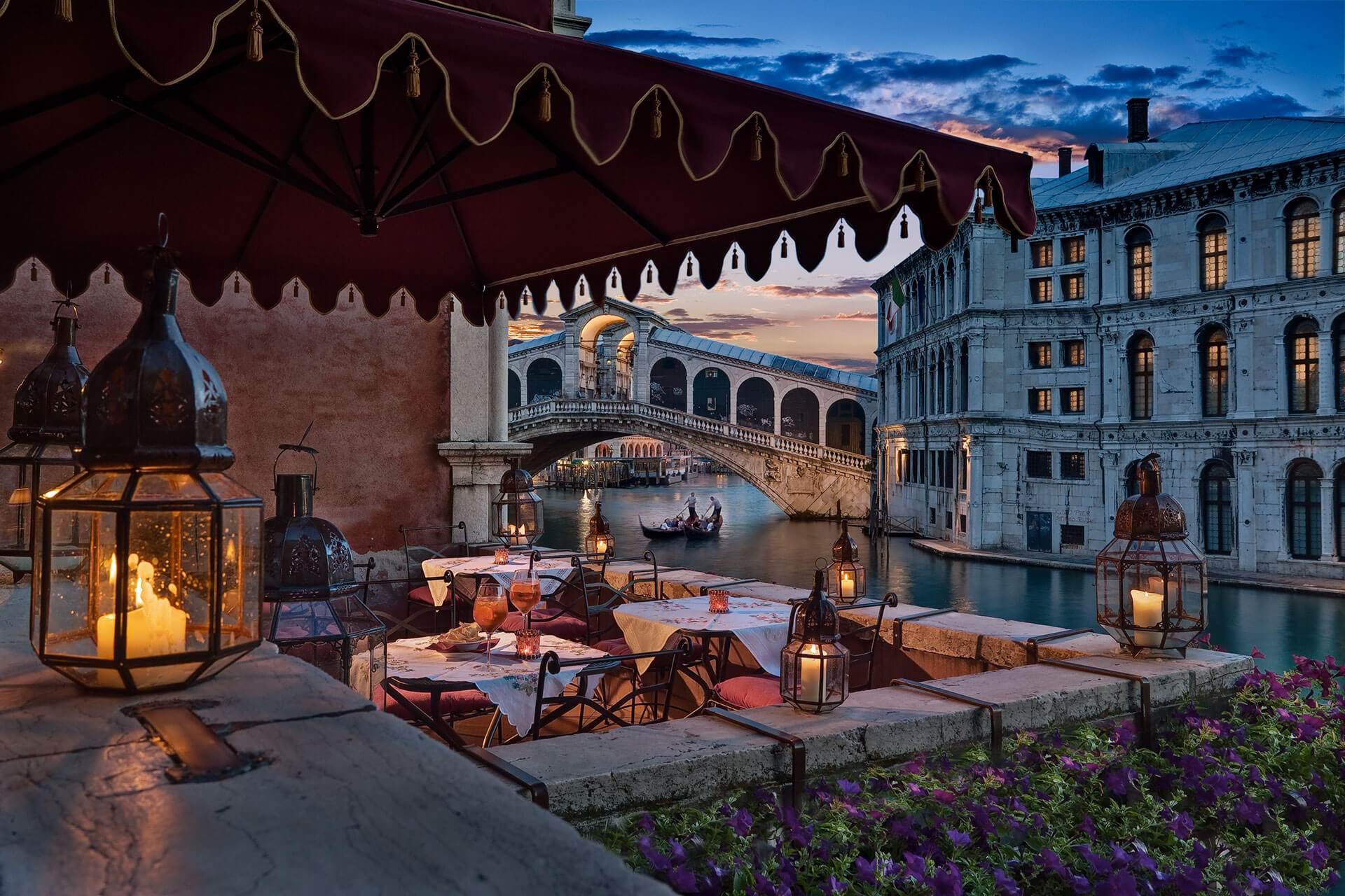 Anniversario Di Matrimonio A Venezia.Il Palazzo Hotel Al Ponte Antico Venezia